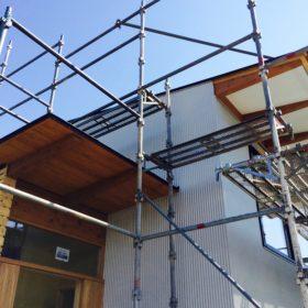 薄い屋根とガルバ小波