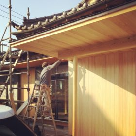 桧板の外壁 古河市の住宅